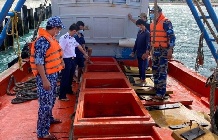 Buôn lậu xăng dầu trên biển ngày càng phức tạp