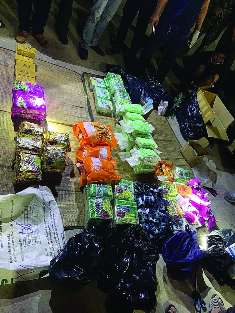 Gần 90 kg ma tuý do 3 đối tượng vận chuyển từ Campuchia về Việt Nam bị Bộ đội Biên phòng phối hợp với Hải quan và Công an bắt giữ ngày 17/1