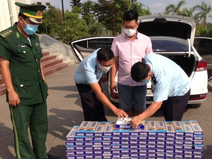 Hải quan Đồng Tháp ngăn chặn buôn lậu thuốc lá
