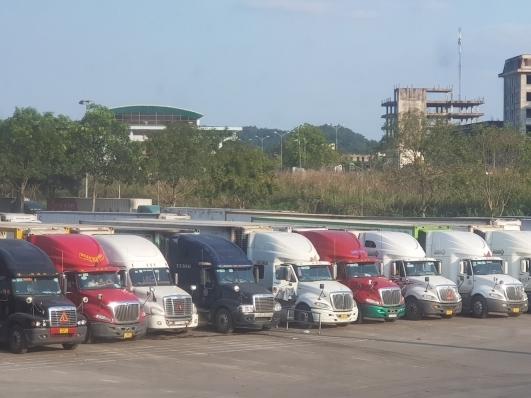 Tăng cường giám sát hàng hóa qua cửa khẩu đường bộ, ngăn ngừa buôn lậu