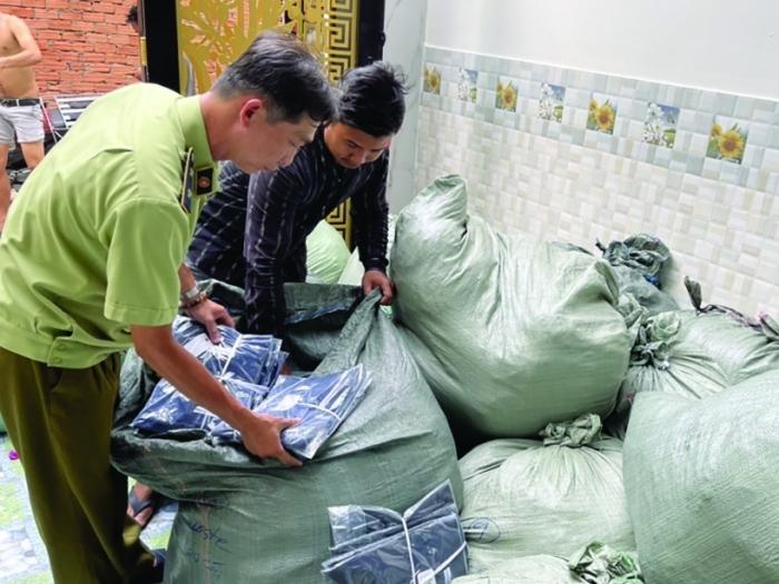 TP Hồ Chí Minh: Phát hiện nhiều kho chứa hàng lậu, hàng giả