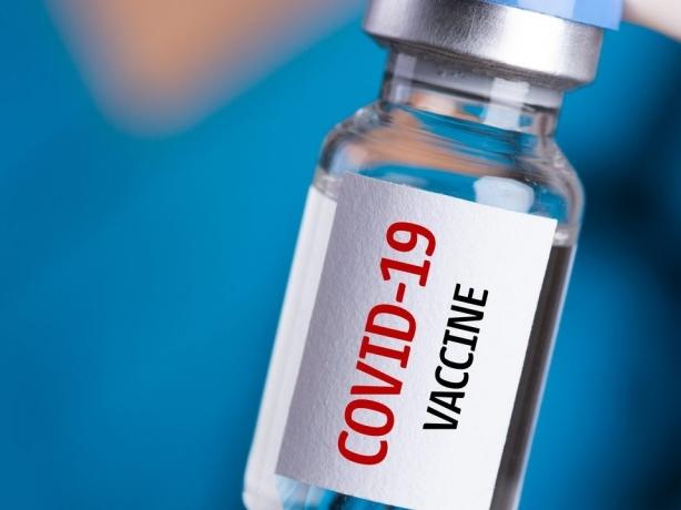 Nên chăng miễn trừ bản quyền vaccine phòng Covid-19?