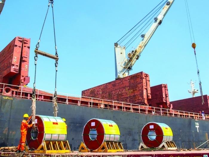 Chung tay hóa giải khó khăn trong hoạt động xuất nhập khẩu