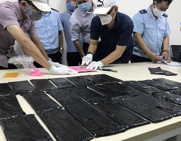 Hải quan TPHCM: Phát hiện gần 1.000 vụ vi phạm