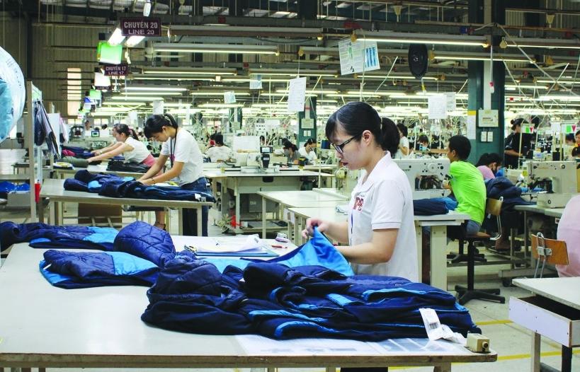 Xuất khẩu dệt may tăng nhẹ, doanh nghiệp khốc liệt tìm khách hàng mới