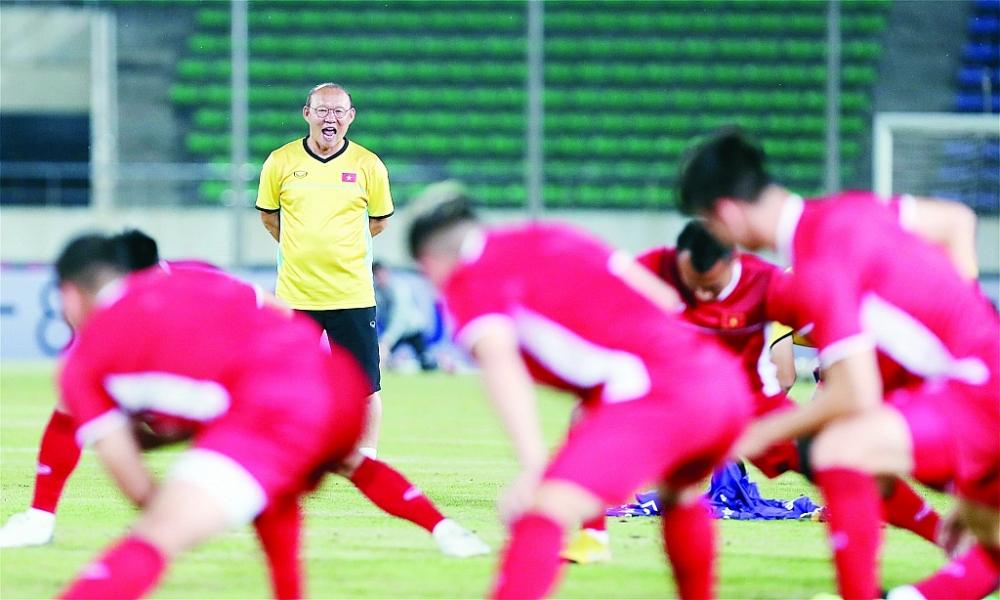hoan vong loai fifa world cup 2022 khu vuc chau a bong da viet va noi lo that nghiep