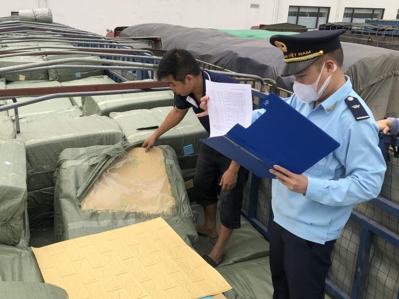 Hải quan Lạng Sơn: Cần có giải pháp quản lý hàng hóa qua dịch vụ chuyển phát nhanh