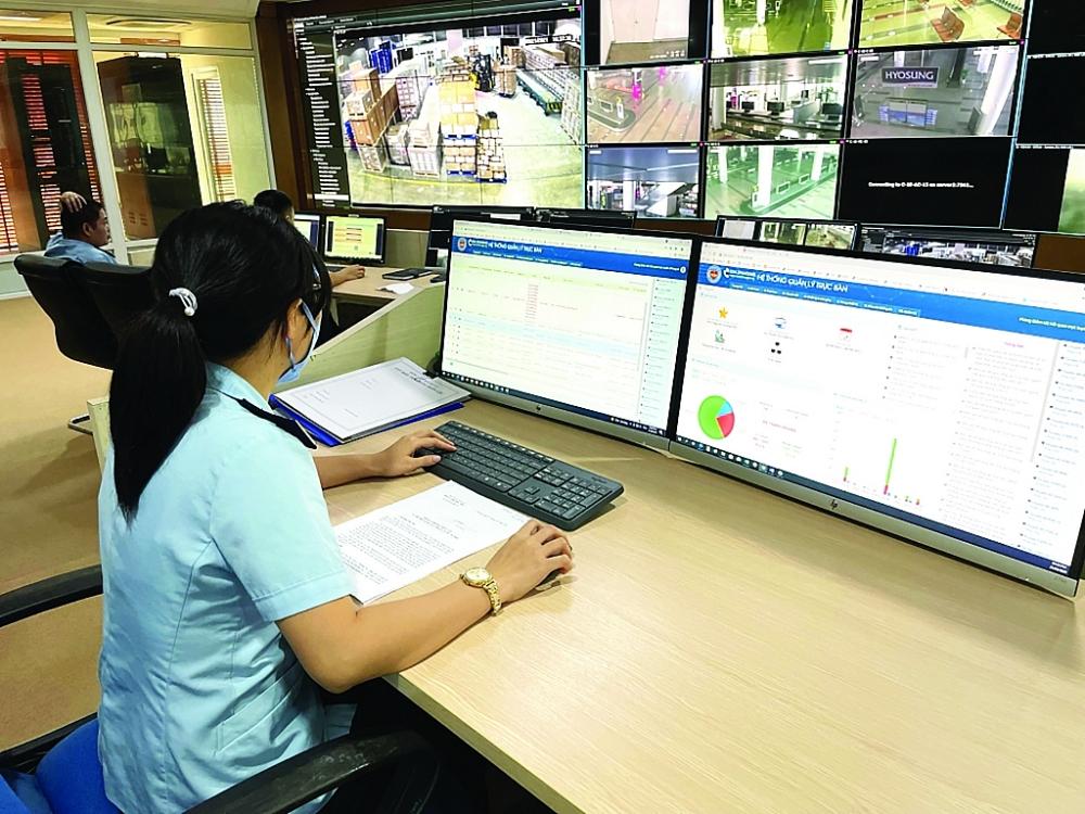 Hoạt động giám sát, trực ban trực tuyến tại trụ sở Tổng cục Hải quan.  Ảnh: Phòng Giám sát hải quan trực tuyến cung cấp