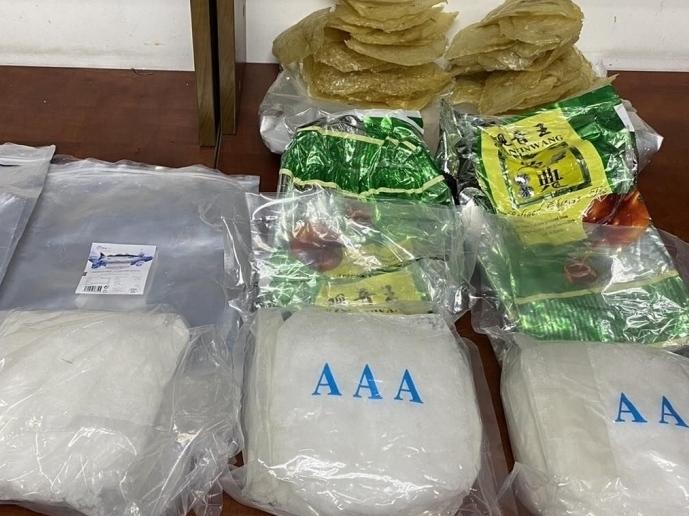 Bắt giữ ma túy ngụy trang trong thực phẩm xuất khẩu