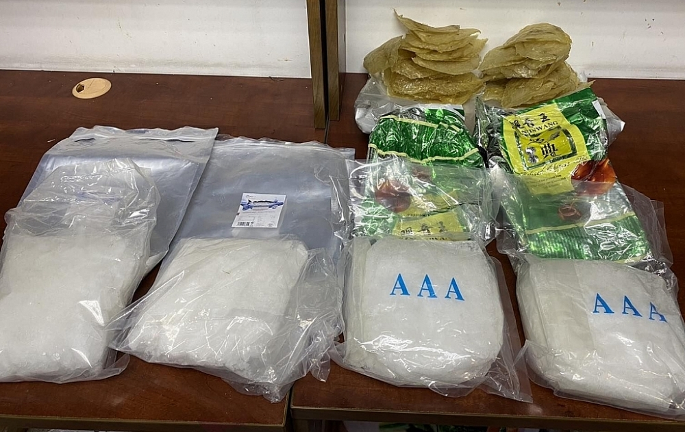 Hơn 3,6 kg ma túy ngụy trang cá khô bị Hải quan TPHCM phát hiện. Ảnh: H.N