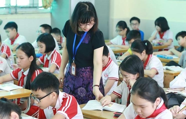 Dồn việc lên vai giáo viên