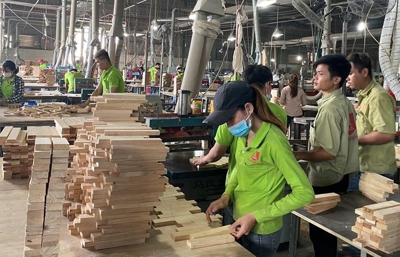 """Doanh nghiệp gỗ Bình Dương tìm hướng """"chinh phục"""" thị trường khó tính"""