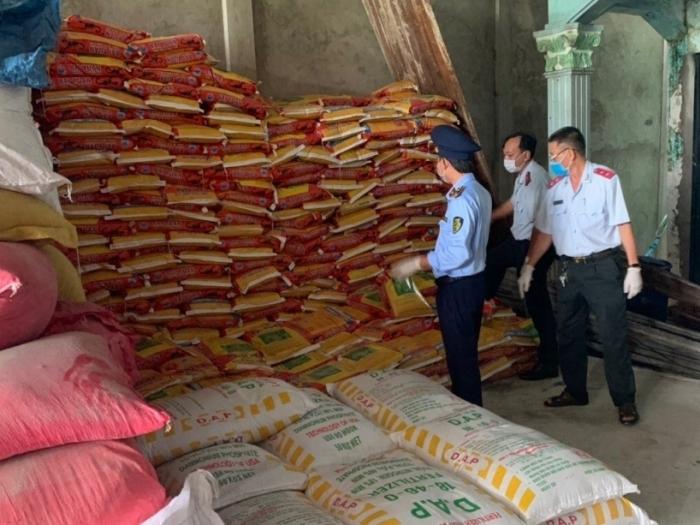 Chặn hàng lậu, bình ổn thị trường vật tư nông nghiệp