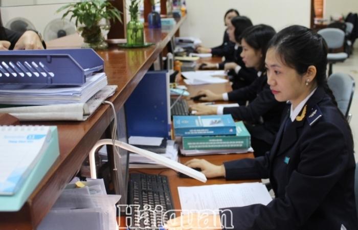 Thuế Giá trị gia tăng trang thiết bị y tế 5% hay 10%?: Doanh nghiệp hỏi, Hải quan Hà Nội trả lời