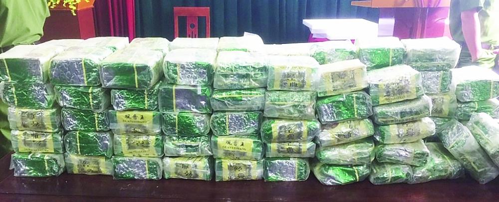 100 kg ma túy vừa được Chi cục Hải quan Thanh Thủy (Cục Hải quan Nghệ An) phối hợp với lực lượng Biên phòng bắt giữ ngày 4/11.  Ảnh: Nam Sỹ