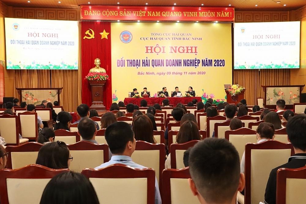 Hải quan Bắc Ninh đổi mới, đa dạng, linh hoạt các hình thức tuyên truyền, phổ biến văn bản pháp luật cho cộng đồng DN . Ảnh: Q.H