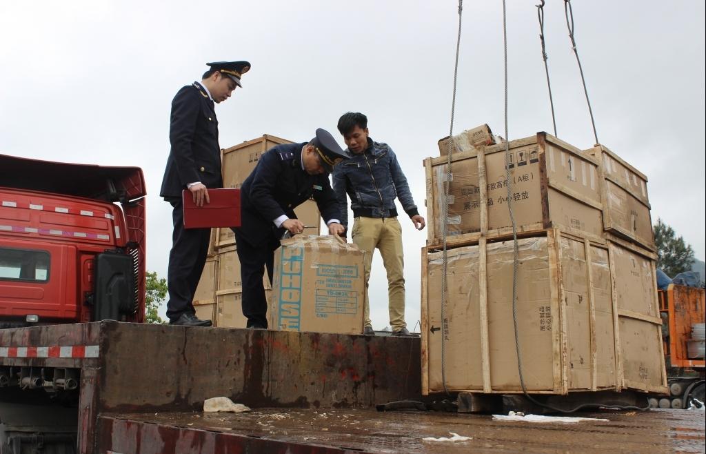 Hải quan Lạng Sơn: Về đích thu ngân sách