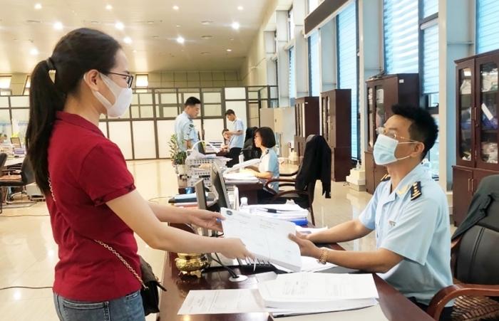 Làm rõ về thủ tục miễn thuế, hoàn thuế trong trường hợp nhập khẩu ủy thác cho doanh nghiệp