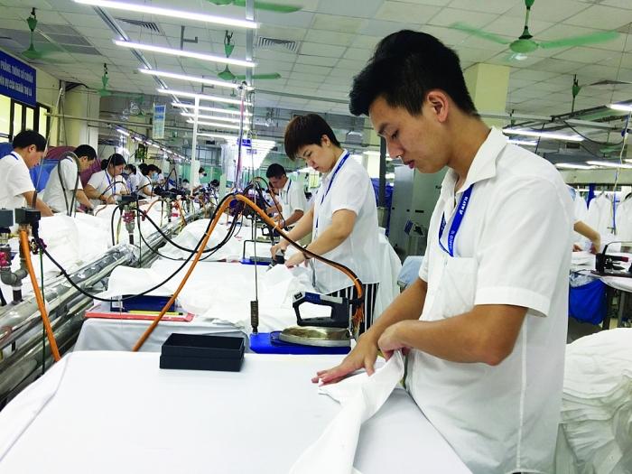 Sản xuất công nghiệp vẫn đối mặt nhiều thách thức