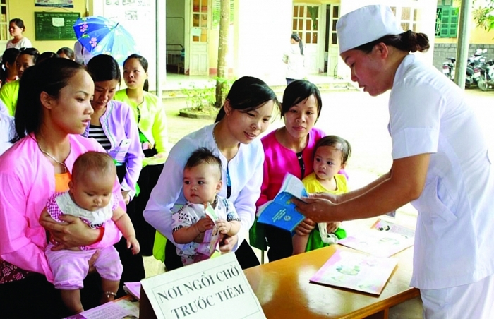 Bài học dịch bạch hầu:  Chớ coi thường việc tiêm vắc xin