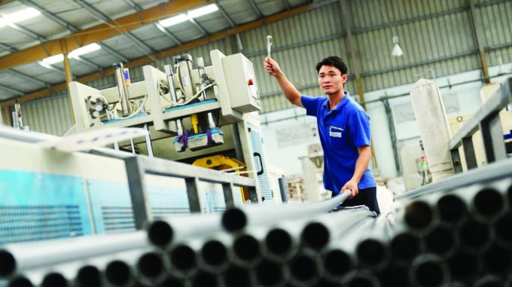Tranh thủ giá nguyên liệu giảm,  doanh nghiệp nhựa lãi lớn