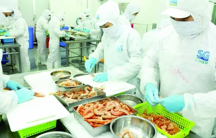 Doanh nghiệp chủ động nguyên liệu sản xuất, xuất khẩu cuối năm