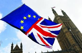 Thỏa thuận Brexit tiếp tục