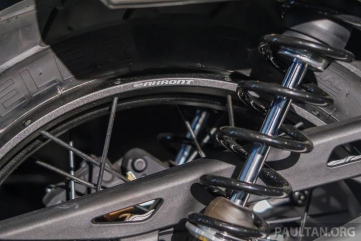 triumph scrambler 1200 xc va xe 2019 ra mat tai malaysia
