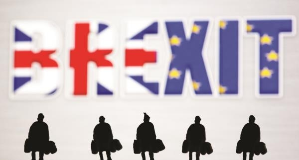 Chính phủ Anh  trước nguy cơ sụp đổ