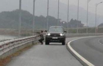 Dừng phương tiện giữa cao tốc để... bắn chim: Phạt 7 triệu đồng