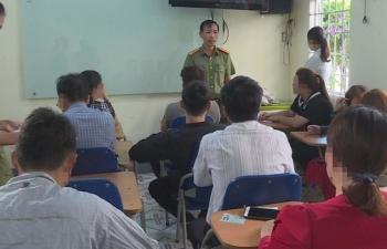 Phát hiện trung tâm tổ chức thi ngoại ngữ 'chui'