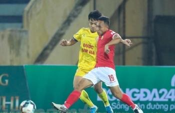 Bóng đá Việt Nam tiếp tục 'đóng băng' bởi đại dịch COVID-19
