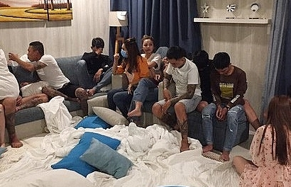 Hàng chục nam nữ thuê căn hộ ven biển để 'thác loạn' ma túy giữa dịch Covid-19