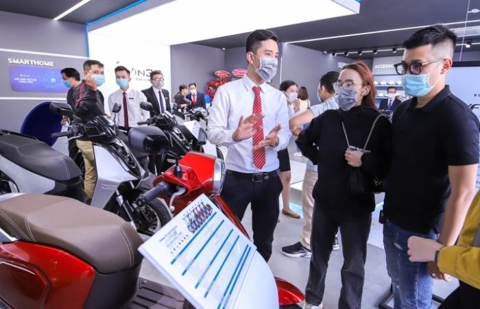 VinFast khai trương đồng loạt 64 showroom kết hợp trung tâm trải nghiệm Vin3S