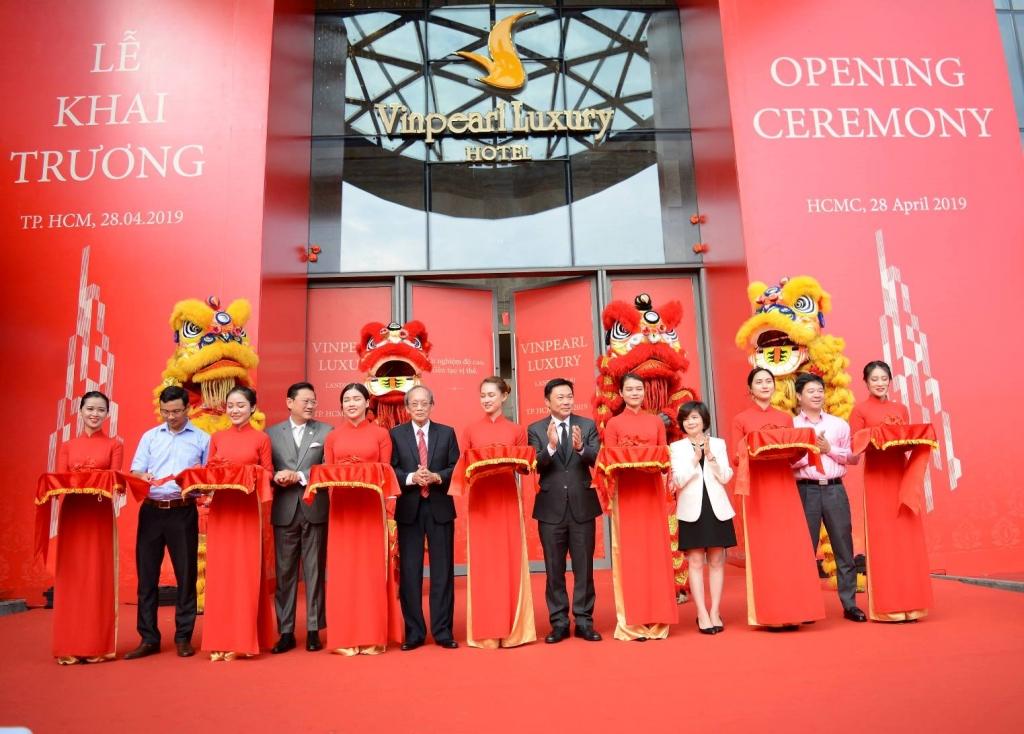 Khai trương Khách sạn Vinpearl Luxury và Đài quan sát Landmark 81 SkyView cao nhất Đông Nam Á
