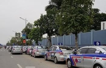 Chính thức khép lại 'cuộc chiến' taxi truyền thống và công nghệ