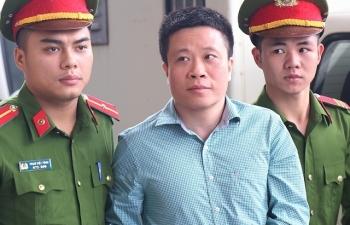 Hà Văn Thắm hầu toà trong vụ án thứ ba