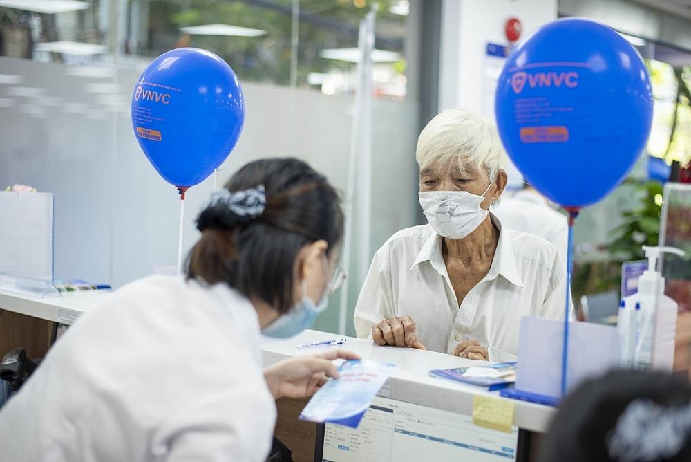 Kịp thời phục vụ người dân Huế tiêm chủng vắc xin khi Đà Nẵng cách ly