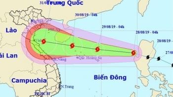 Trưa 30/8, bão Podul đi vào đất liền từ Thanh Hóa đến Quảng Bình