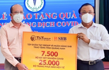 SHB và T&T Group tiếp tục ủng hộ hàng ngàn kit xét nghiệm Quảng Nam