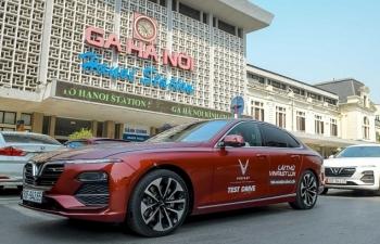 Mãn nhãn ngắm dàn xế sang VinFast Lux dạo phố thu Hà Nội