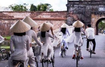 Huế đưa xe đạp thông minh phục vụ khách du lịch dạo chơi