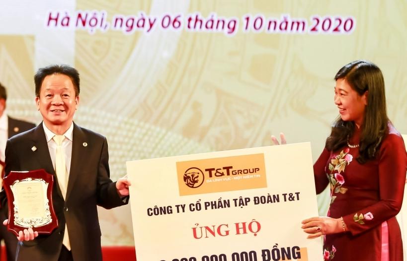 Bầu Hiển ủng hộ 5 tỷ đồng cho quỹ Vì người nghèo TP Hà Nội
