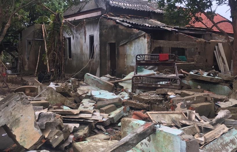 Vùng lũ Quảng Bình: Cuộc sống khó khăn bên những ngôi nhà đổ nát
