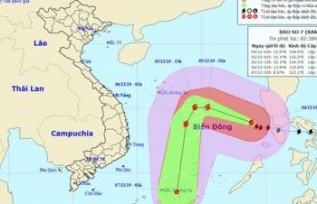 Bão số 7 giật cấp 15 trên Biển Đông, biển động dữ dội