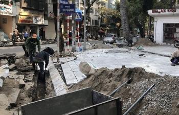 Cuối năm, Hà Nội lại đào đường, phố phường bụi mù mịt