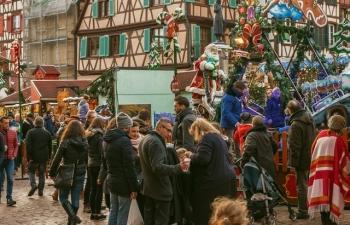 Không khí Noel rộn ràng tại các thành phố, làng cổ châu Âu