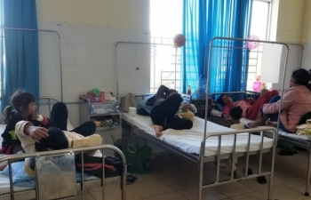 Lâm Đồng: Sau bữa ăn từ thiện, gần 100 trẻ nhập viện cấp cứu