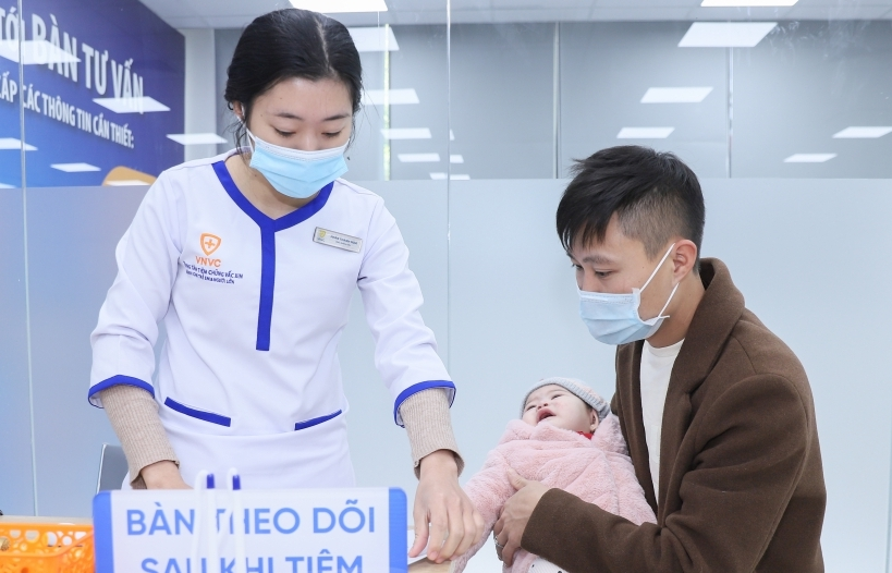 VNVC Hưng Yên khai trương: Người dân được tiêm chủng nhiều vắc xin bình ổn giá trong mùa dịch