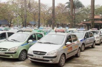 """Bùng nổ Grap, Uber: Taxi truyền thống kêu """"bất công"""""""